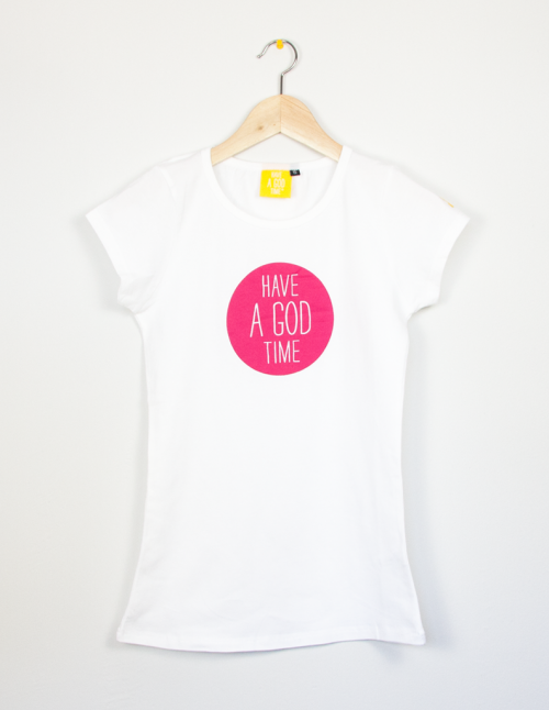 Camiseta fit blanca con logo fucsia de Have a god time