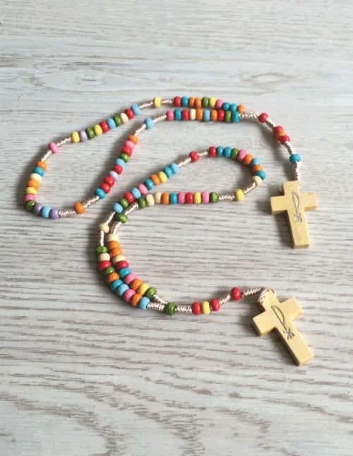 Rosario multicolor pequeño para niños